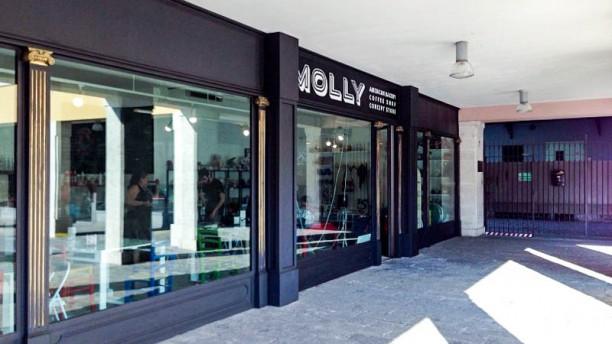 Molly's Bakery Entrata