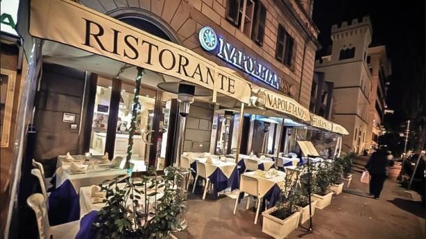Napoletano's Restaurant La luminosa facciata