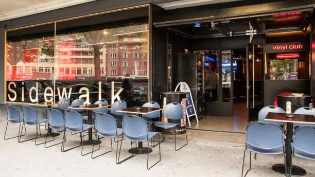 Sidewalk Café Devanture