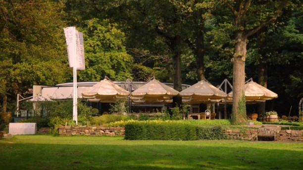 Proeftuin het Bergpaviljoen Geweldig terras gelegen aan de rand van het bos