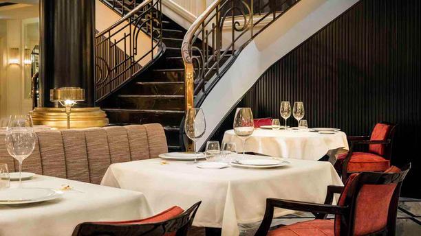 Le Monument Restaurant Sala