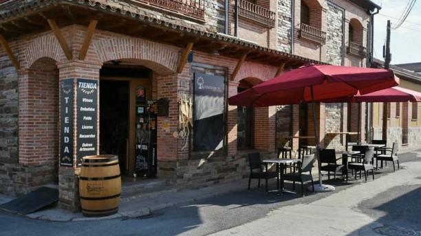 Bar taperia tienda auténticos CYL Entrada