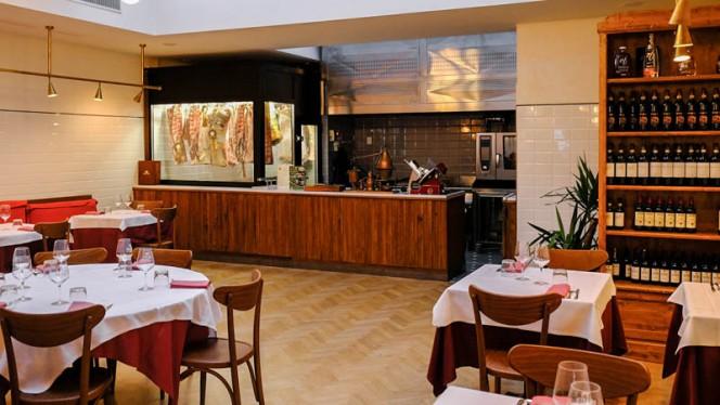 La steakhouse a Firenze - Trattoria dall'Oste Chianineria - Via degli Orti Oricellari, Firenze