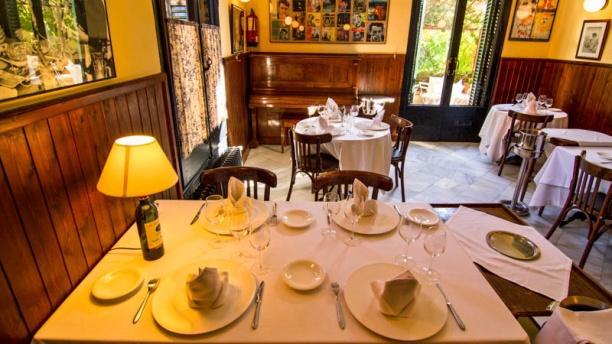 Café 1907 Mesa para cuatro personas
