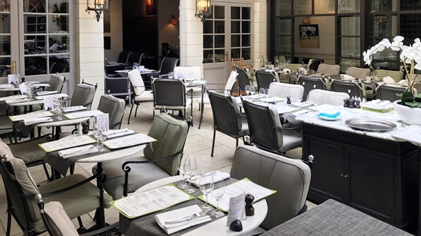 restaurant la cour brasserie chartres 28000 menu avis prix et r servation. Black Bedroom Furniture Sets. Home Design Ideas