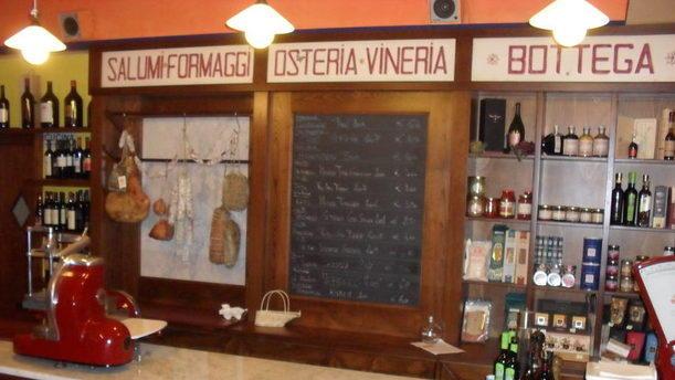 Osteria Vineria Il Borgo bancone
