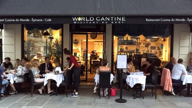 World Cantine La terrasse du restaurant