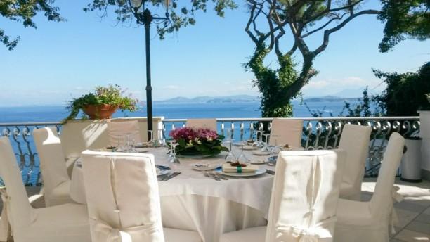 My Age tavola in terrazza