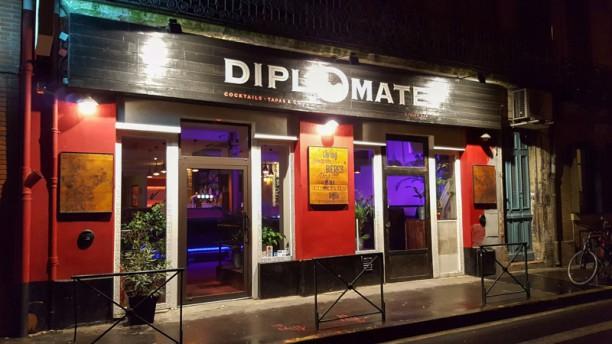 Le Diplomate Devanture