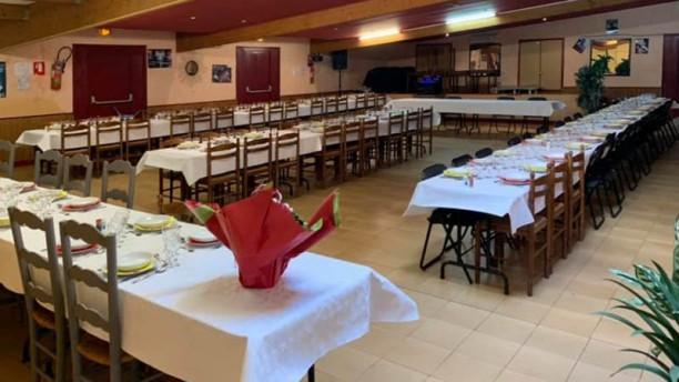 Kinoux'S Hôtel Restaurant Vue de la salle