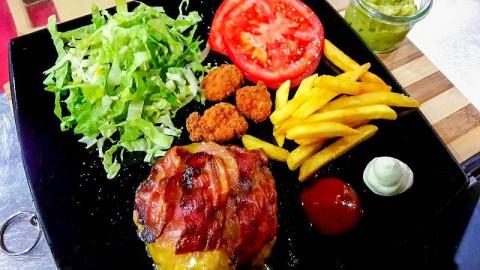 Papo's Burger, Sacrofano