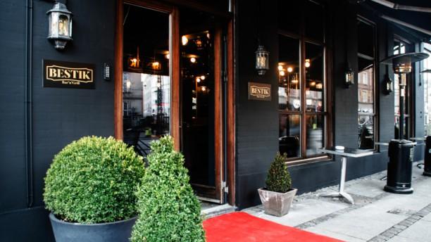 Bestik Bar 'n' Grill Outdoor