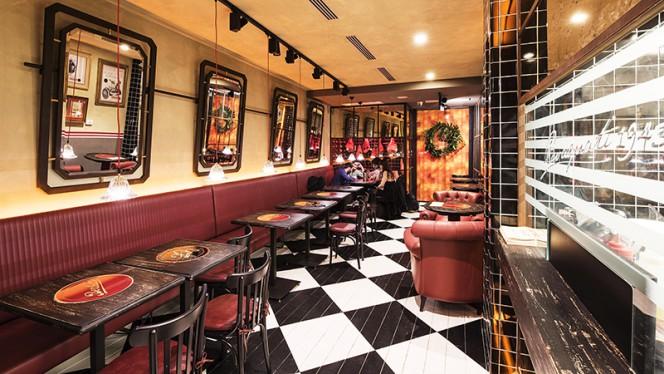 La sala - CrudoCotto Prosciutto Wine Bar & Restaurant, Milano
