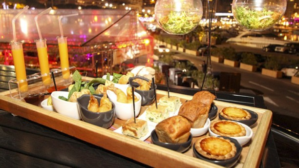 Bar lounge la rascasse in monaco restaurant reviews for Bar food la menu