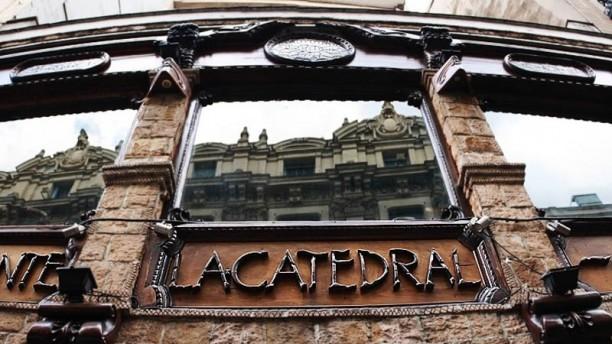 La Catedral Detalle fachada