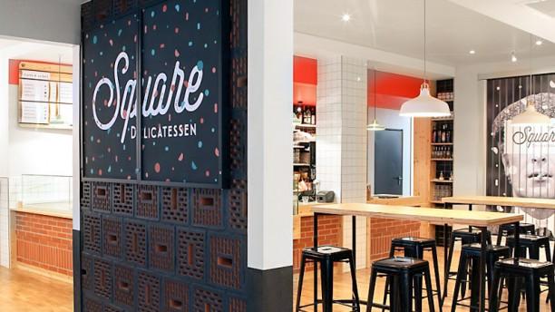 Square Delicatessen Vue de l'intérieur