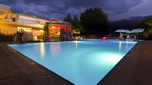Belas Pool & Restaurant Esterno