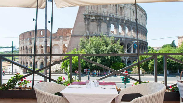 Royal Art Cafe In Rome Restaurant Reviews Menu And Prices