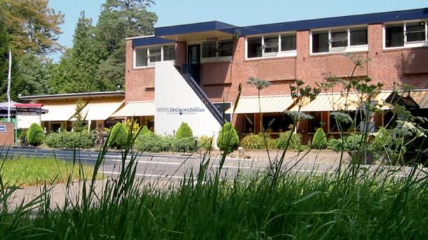Fletcher Restaurant De Grote Zwaan Terras
