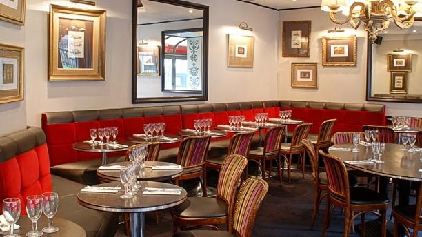 restaurante caf rubis en paris opiniones precios y reserva. Black Bedroom Furniture Sets. Home Design Ideas