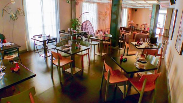Dharma Sushi Lounge Vista de la sala