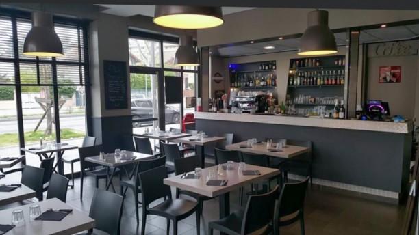 L 39 atelier 72 restaurant 1 rue claude violet 69008 lyon for Atelier cuisine lyon