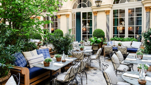 Ralph 39 s in paris restaurant reviews menu and prices - Salon de jardin foire de paris ...