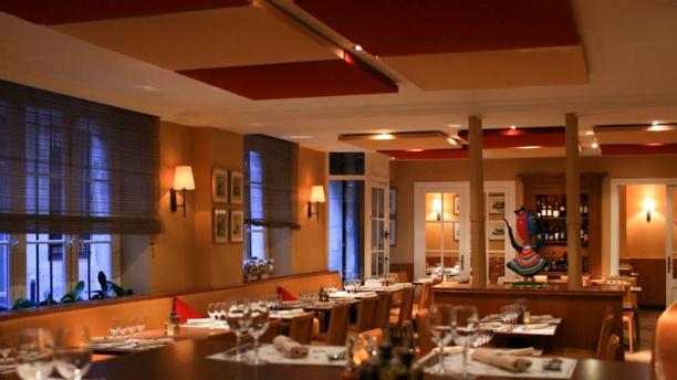 Restaurant la r tisserie d 39 en face paris 75006 ile de for Restaurant la cuisine dax
