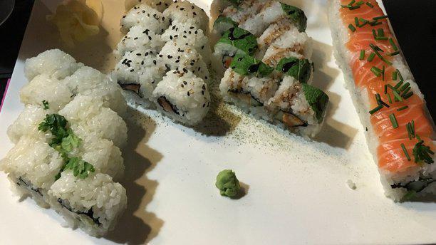 Restaurant kot and sushi salon de provence 13300 for Sushi salon de provence