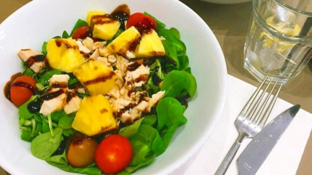 Zumm Salads Plato