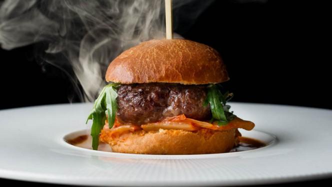 Smokey Burger - Lemongrass Wijnrestaurant - Wijnbar, Den Haag