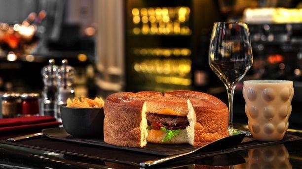 Paris Madere Restaurant