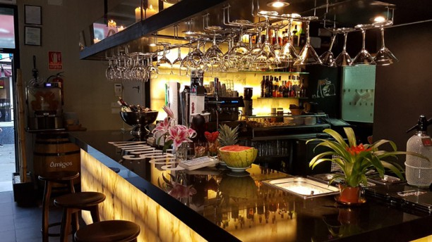 Restaurante amigos aqu me quedo yo en madrid sol for Sala 091 madrid