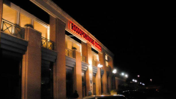 Rossopomodoro Perugia Rossopomodoro aperto fino alle 24:00 con ingresso autonomo e parcheggio riservato