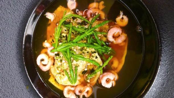 BLunch Ravioli van krab, jus van garnalen, furikaké kruiden