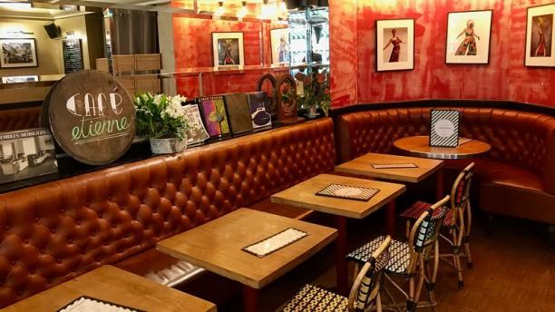 Café Etienne Salle du restaurant