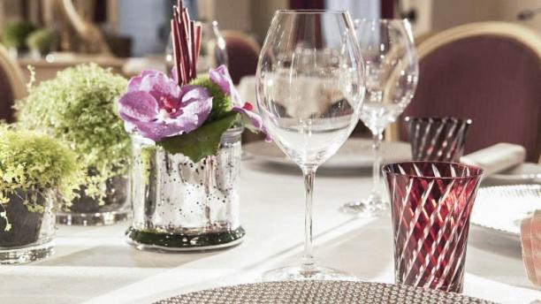 La Table Du Conn Table Restaurant 4 Rue Du Conn Table 60500 Chantilly Adresse Horaire