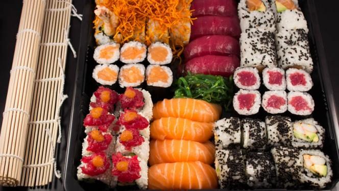 Bandeja Surtido - Sushi Master Moncloa, Madrid