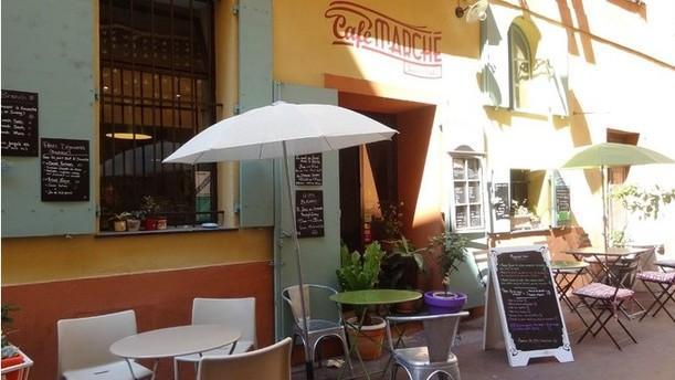 Café Marché Terrasse