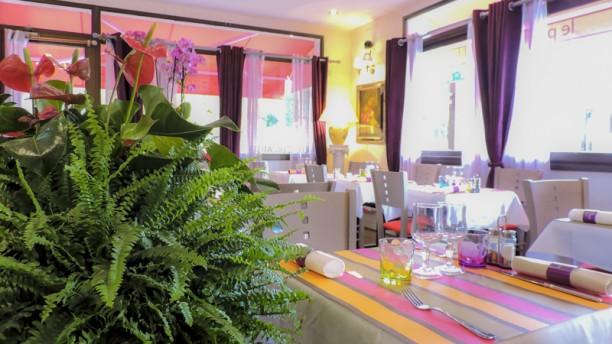 Le Pari Gourmand salle côté fenêtres
