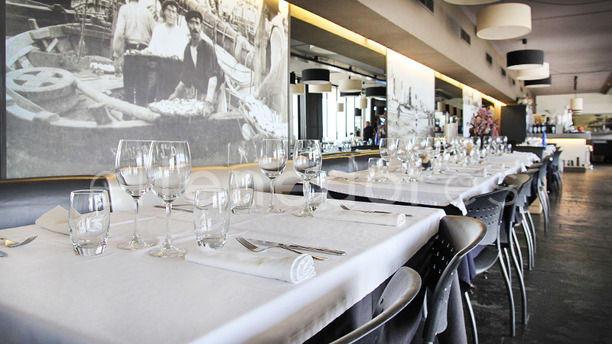 Arenal Restaurant Vista mesas montadas