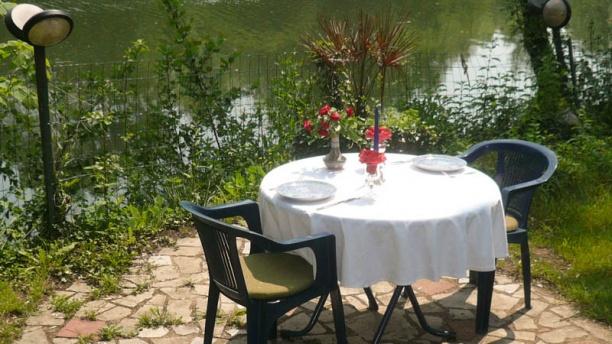 Auberge de la Belle Aurore Table romantique  au bord du clain