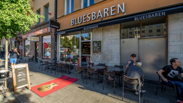BLUESBAREN Entrance