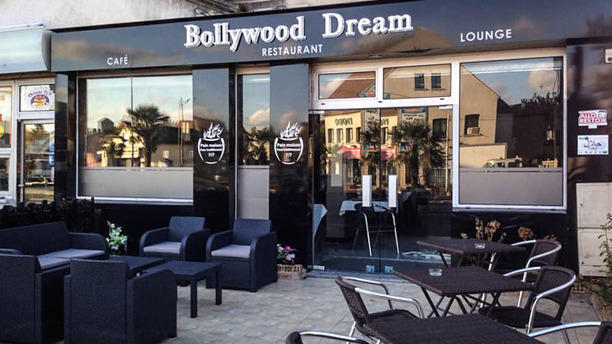restaurant bollywood dreams sainte genevi ve des bois. Black Bedroom Furniture Sets. Home Design Ideas