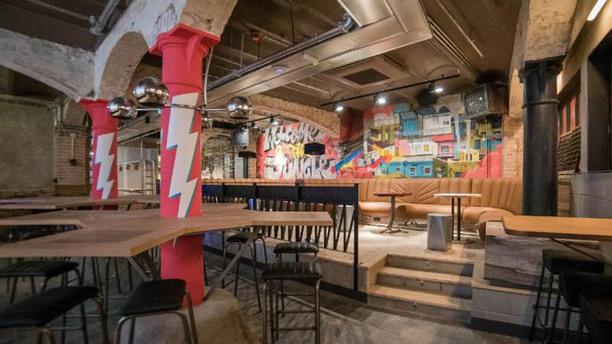 Clubhaus - Jungle Room Vista sala