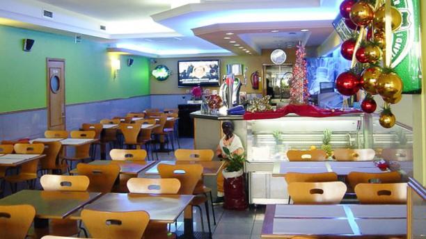 Onda Tropicália Café Cervejaria Interior