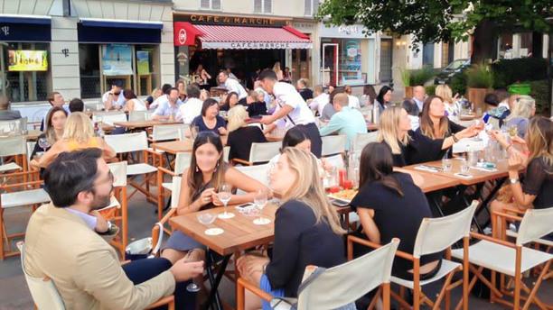 Café du Marché terrasse