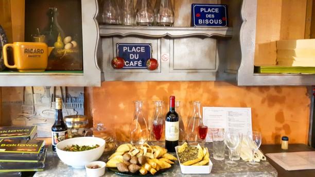 restaurant la marjolaine verte paris 75017 batignolles place de clichy avis menu et prix. Black Bedroom Furniture Sets. Home Design Ideas