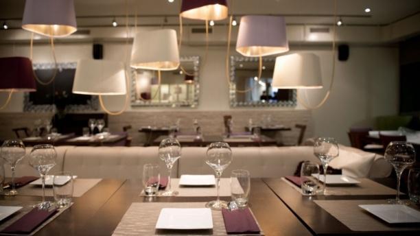 Eat Me Restaurant & Cocktail Lounge COZY AMBIANCE