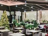 White Restaurant & Bar
